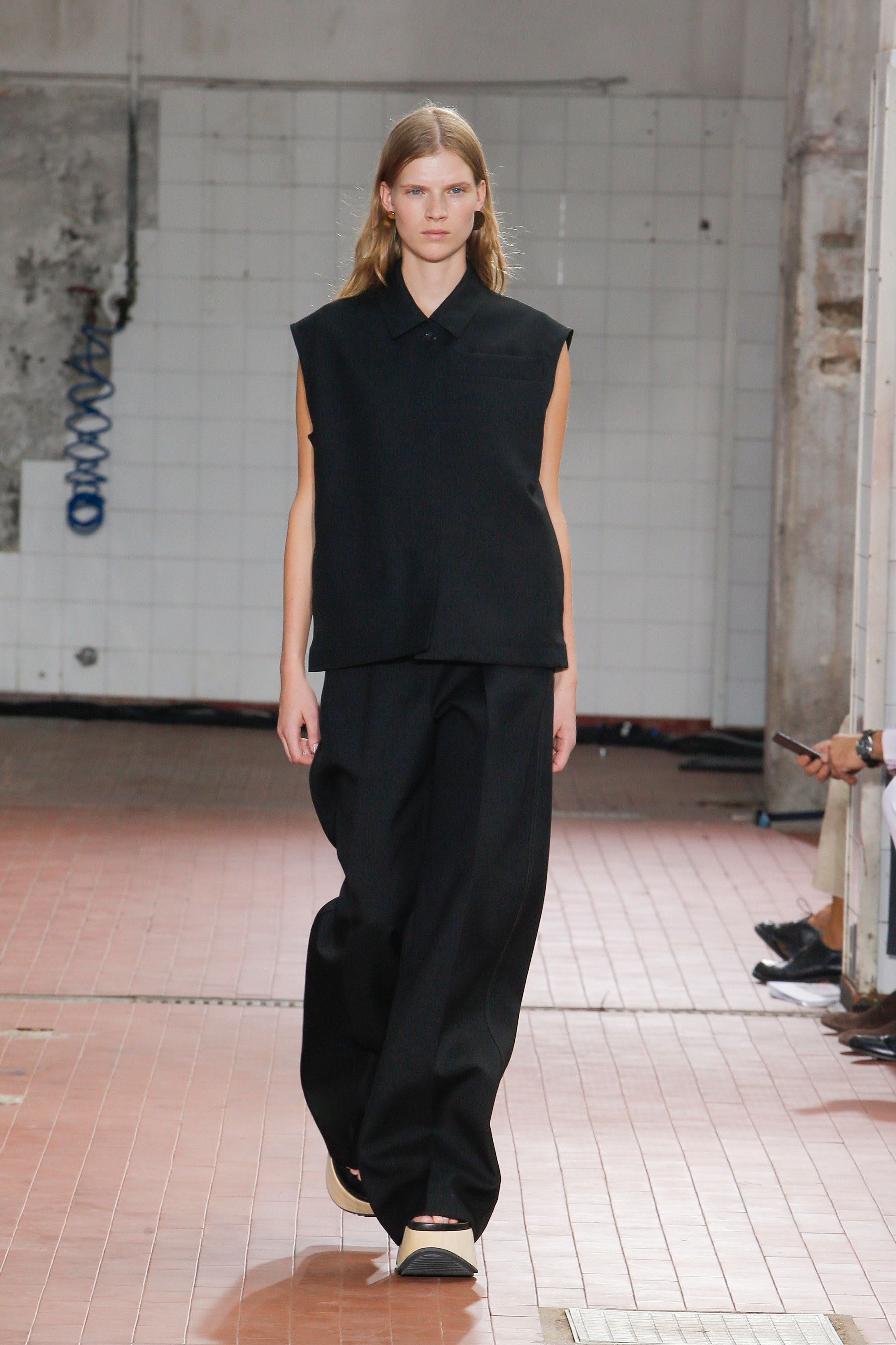 Milan Fashion Week, Jil Sander, MFW, Spring 2019 Ready-to-Wear, show, runway, Lucie Meier, Luke Meier, brand, creative duo, Alan Weisman, book, The World Without Us, collection, fashion house, trends 2019