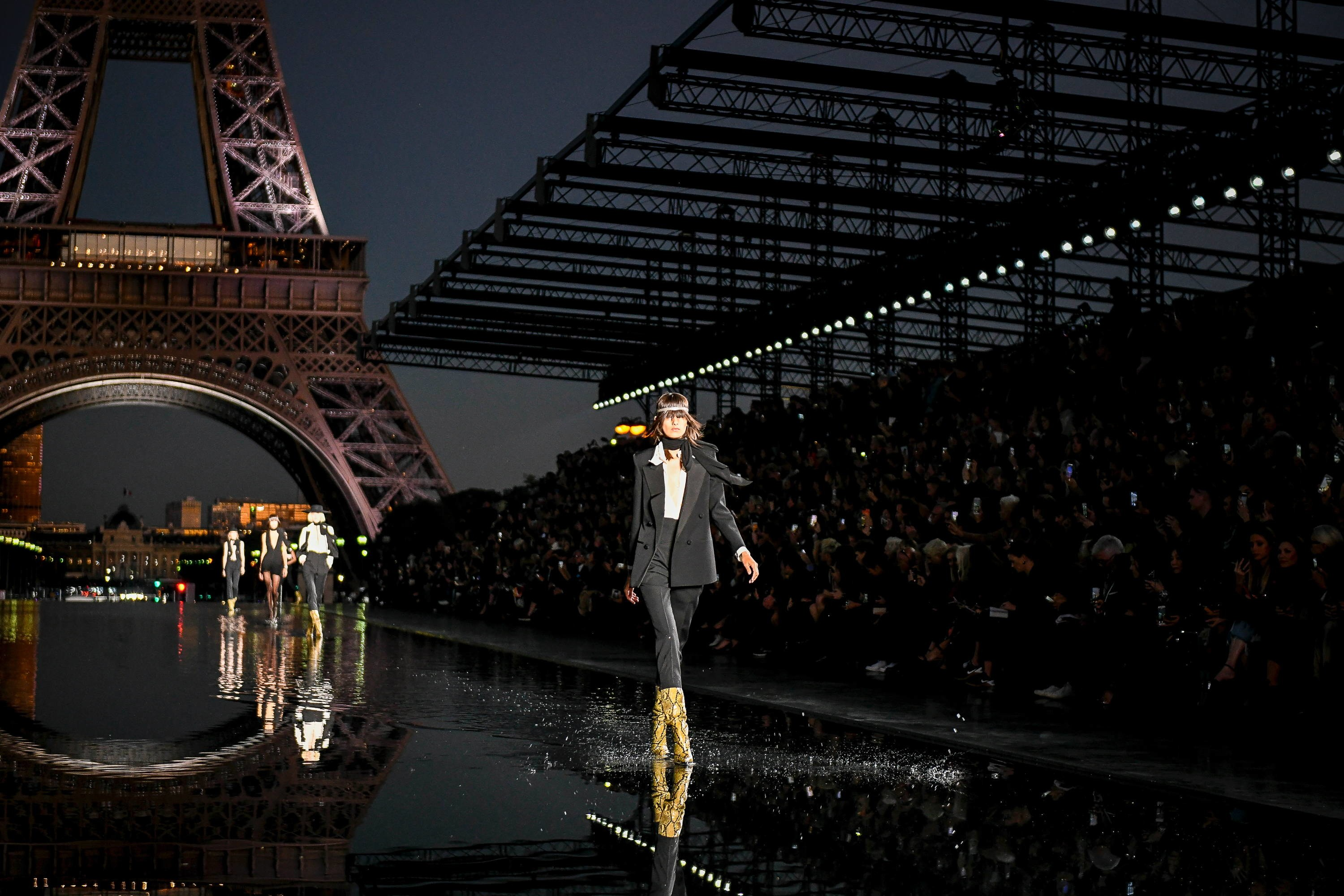 Paris Fashion Week, PFW, pfw, Saint Laurent Spring 2019 Ready-to-Wear, show, runway, creative director, French fashion house, Anthony Vaccarello, style, collection 2019, tiny black dress, street-style trends 2019, designer Paris Fashion Week: Christian Dior Spring 2019 Ready-to-Wear Collection Fashion Shows 26 09 PARIS FASHION WEEK: CHRISTIAN DIOR SPRING 2019 READY-TO-WEAR COLLECTION Continuing the story of her cruise collection, Maria Grazia Chiuri invited fans of fashion house Christian Dior, currently entrusted to her, over to the hippodr... Milan Fashion Week: Jil Sander Spring 2019 Ready-to-Wear show review Fashion Shows 21 09 MILAN FASHION WEEK: JIL SANDER SPRING 2019 READY-TO-WEAR SHOW REVIEW After three collections by the creative duo of Luke and Lucie Meier since joining fashion house Jil Sander as co-creative directors, we can say for sure that th...